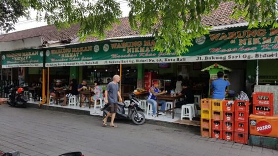 comer barato Kuta Bali warung