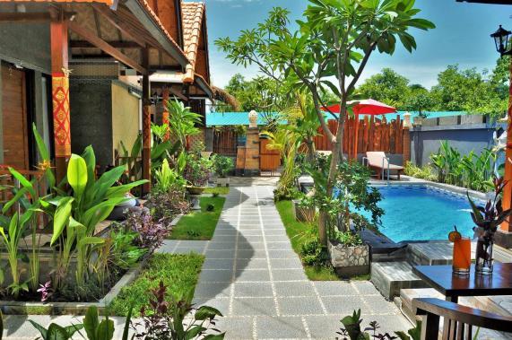 alojamientos baratos Nusa penida Indonesia