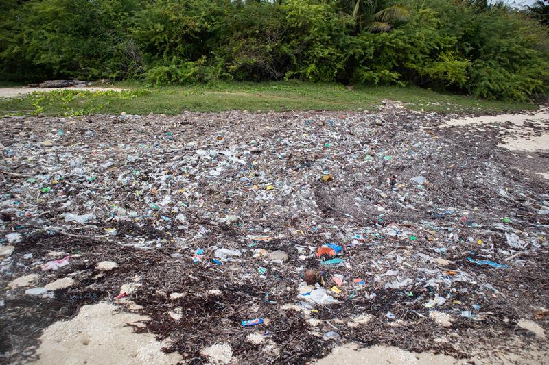 basura playas filipinas bantayan