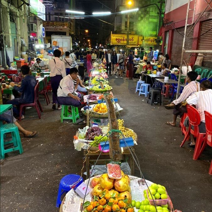 comida en yangon china town