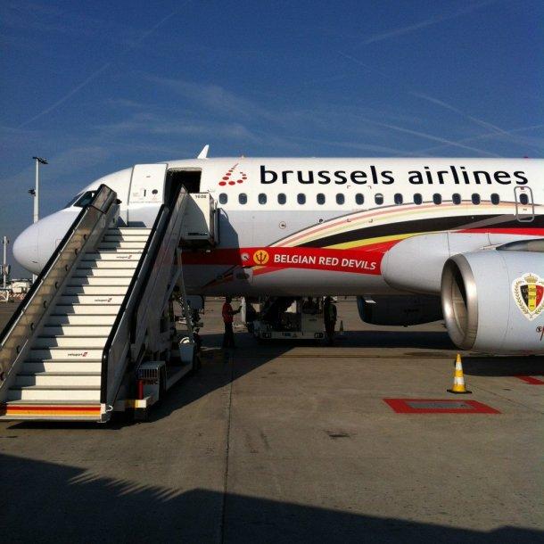 Aeropuerto-Newark-avión-Air-Brussels-jpg