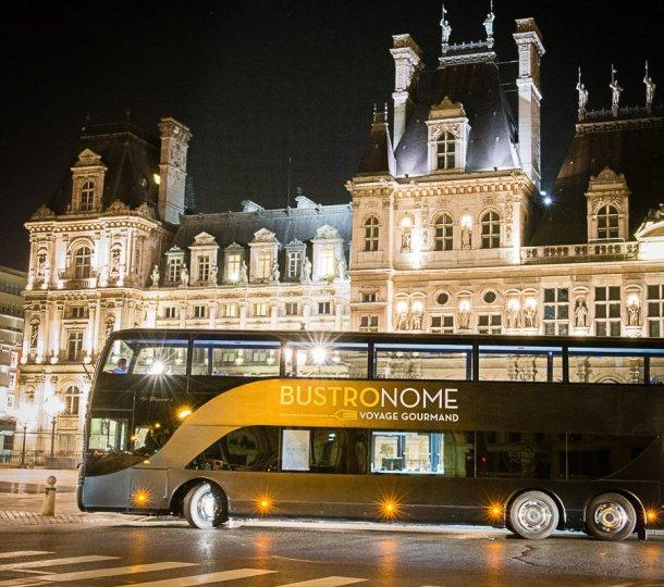 Bustronome en París de noche