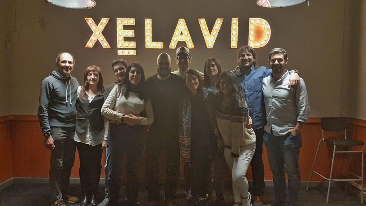Participantes en la cata literaria de Madrid Travel Bloggers en Xelavid