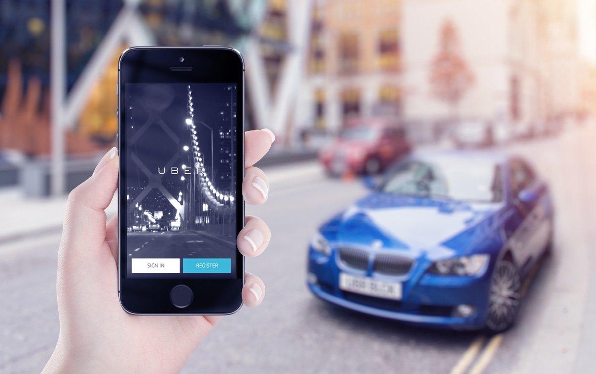 App de UBER en el móvil