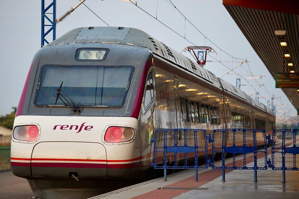 Tren Avant de RENFE en la estación de Toledo