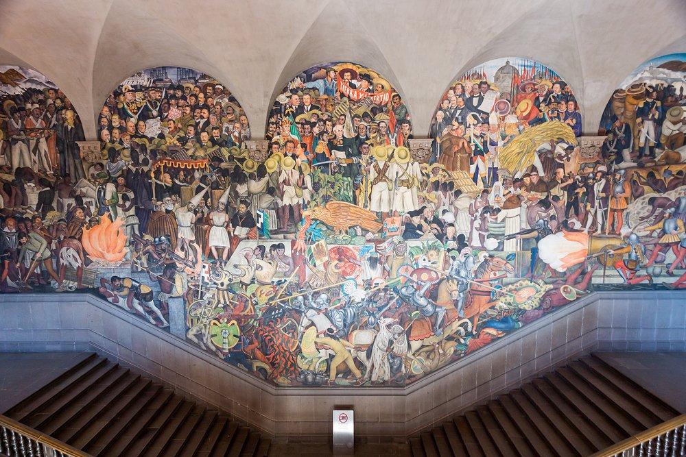 cosas GRATIS que hacer en Ciudad de México: visitar el Palacio Nacional