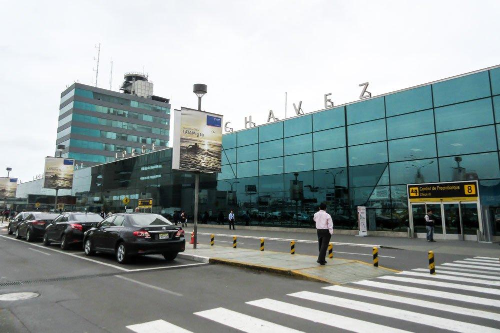Como llegar del aeropuerto de Lima al centro de la forma más segura en coche privado