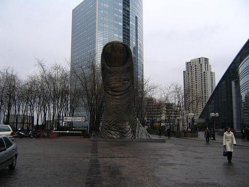 những bức tượng bất thường trên khắp thế giới