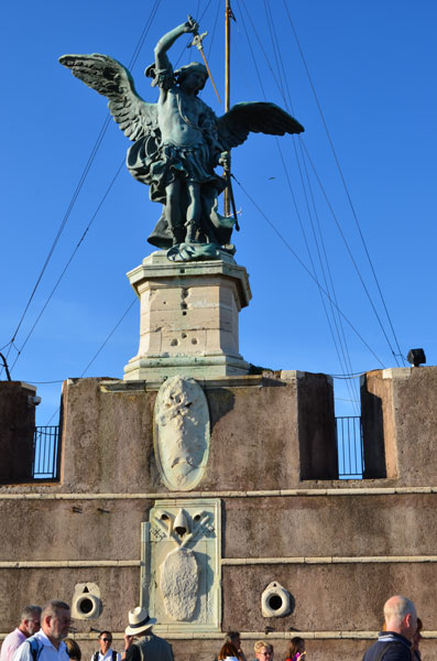 Castel_Sant_Angelo_roof2