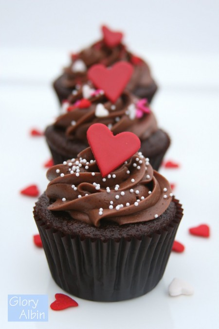 pretty chocolate heart cupcakes recipe