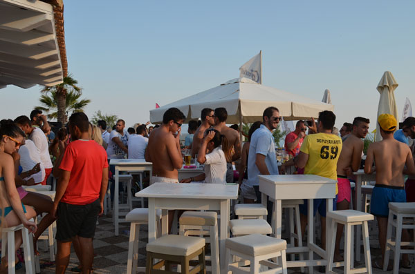 Greece Halkidiki Iraklia beach best beach bars Crystal life 6