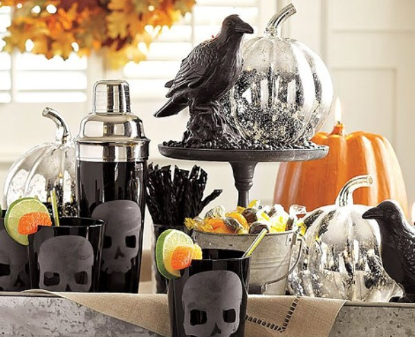 indoor halloween decorating ideas with pumkin 2