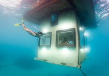 Africa's First Underwater Hotel Room Manta Resort