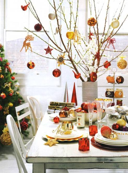 creative christmas table decor ideas  with red orangecolor