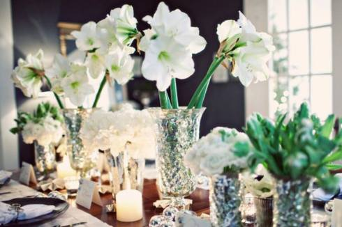 creative christmas table decor ideas  with green color 25
