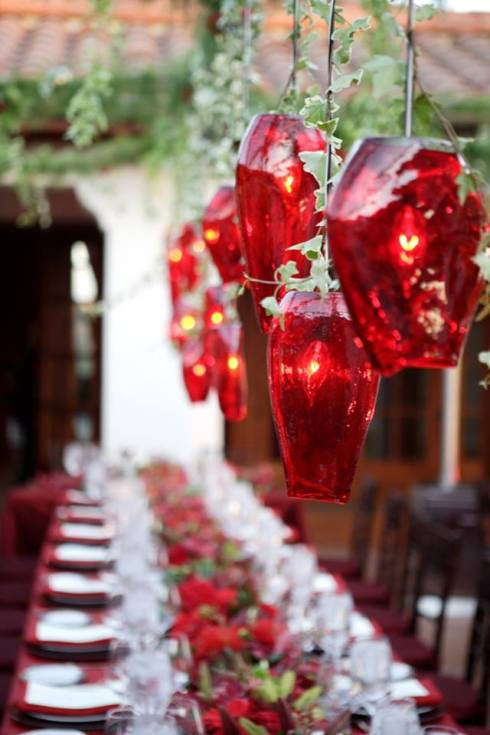 creative christmas table decor ideas  with red color 14