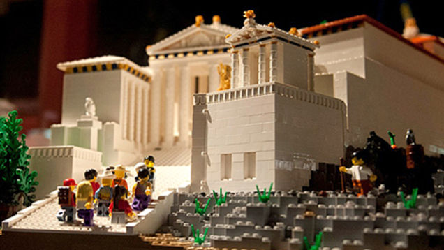 amazing lego structure of parthenon 8
