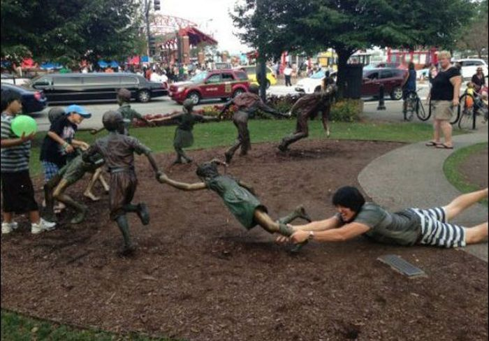 funny and interesting statue photos 28