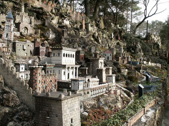 most unusual parks around the world, Grotto 8