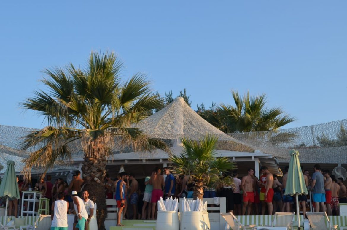 Greece Halkidiki Hanioti beach, best beach bar in Halkidiki Molos