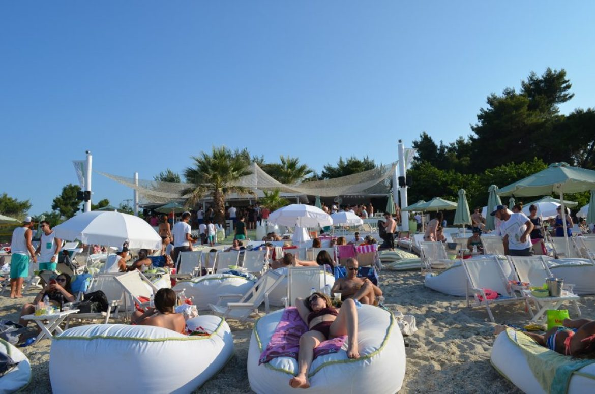 Greece Halkidiki Hanioti beach, best beach bar in Halkidiki Molos 2