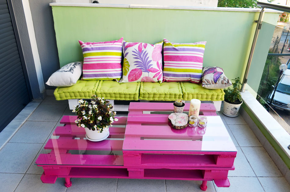 Easy and Cute DIY Outdoor Pallet Furniture - Moco-choco