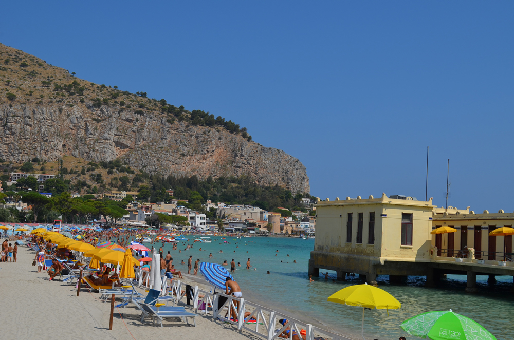 The most popular beaches of Palermo, Mondello beach 5