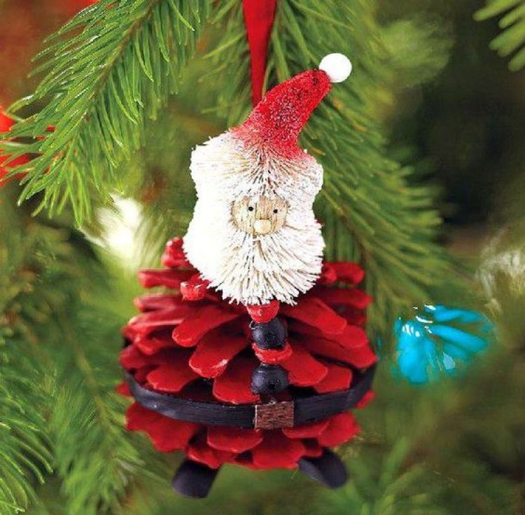 holiday homemade pinecone xmas santa