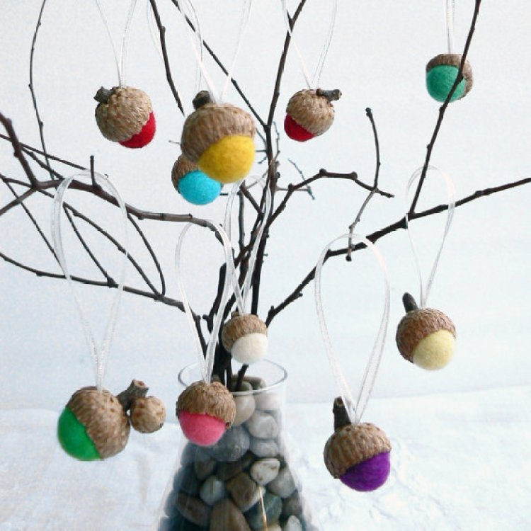 unusual holiday handmade crafts, acorn