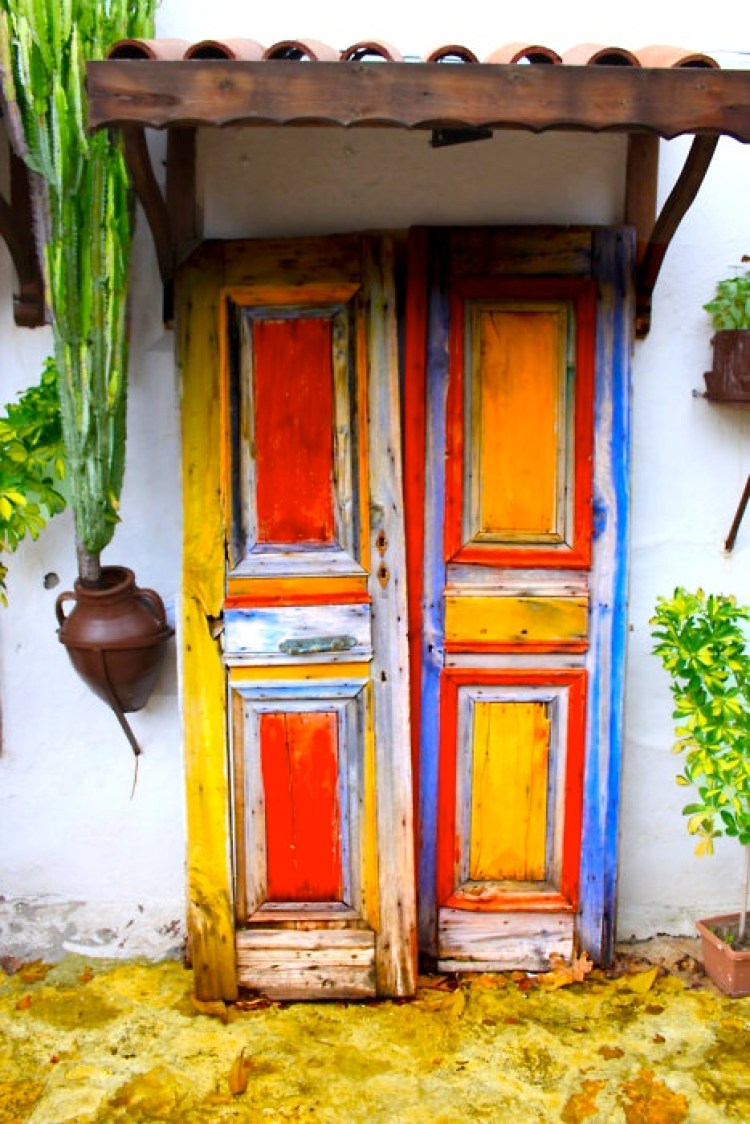 unusual and creative painted doors around the world