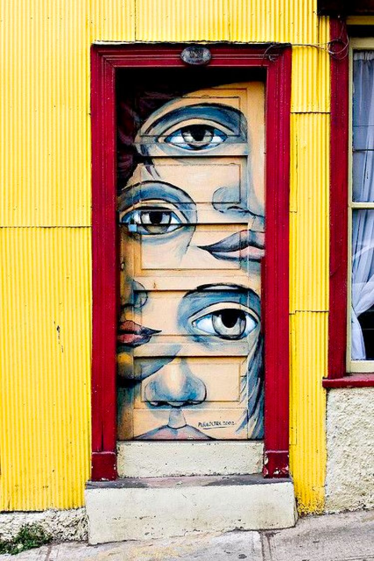 unusual and creative painted doors, Chile