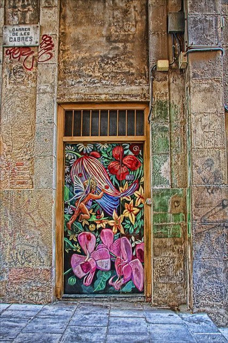 unusual and creative painted doors, Spain 4