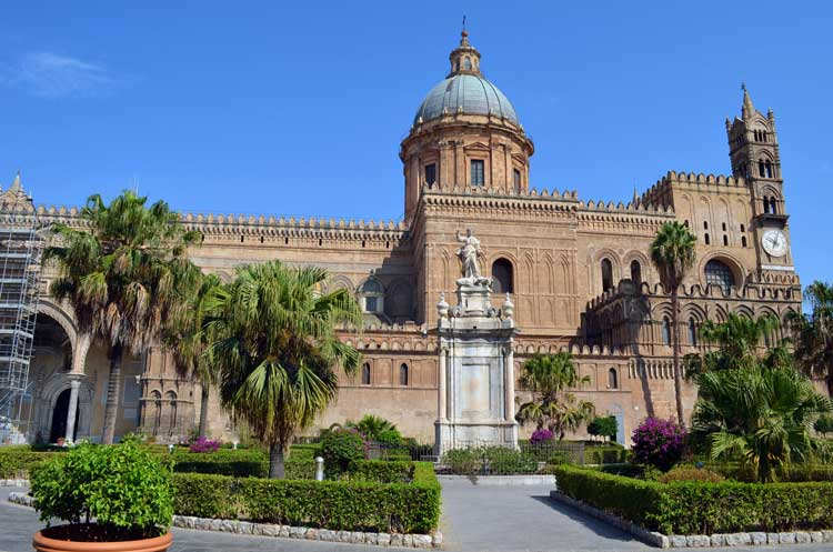 architecture in the city of Palermo, Sicily 10