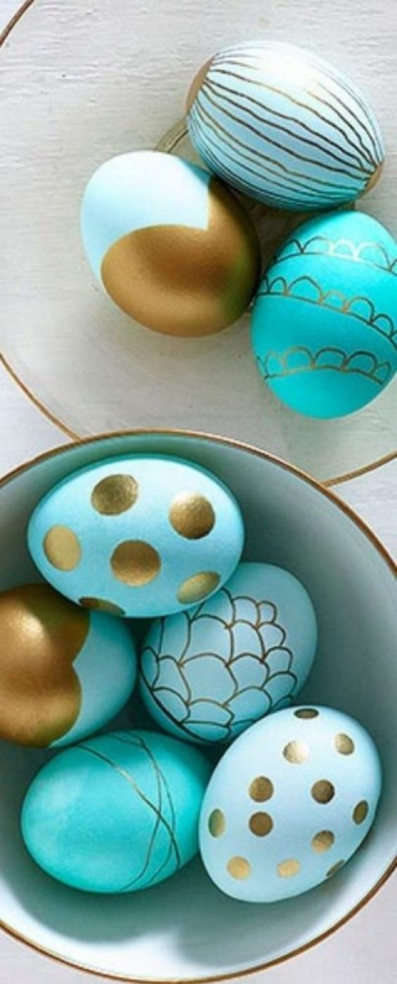 fun ways to dye easter eggs, metallic dipped