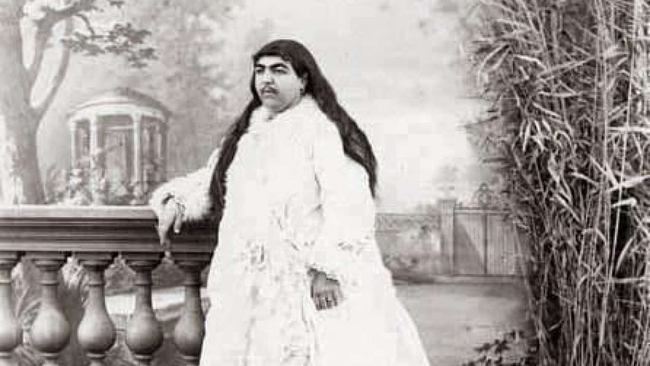 Anis al-Doleh, The Princess With Moustache  13 Men Committed