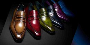 Alcune calzature a marchio Berluti presentate in vari colori