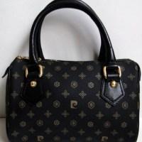 Siyah-altın bayan çanta