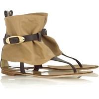İlginç süslemelere sahip şık sandalet modelleri