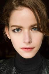 Alexandra Hochguertel - Armani Privé Fall 2014 Couture