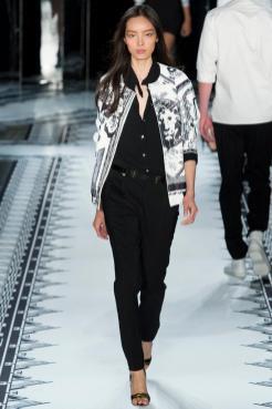 Fei Fei Sun - Versus Versace Spring 2015