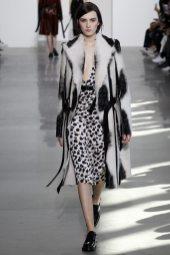 Irina Djuranovic - Calvin Klein Collection Fall 2016 Ready to Wear