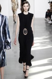Anna Kazannik – Calvin Klein Collection Fall 2016 Ready to Wear