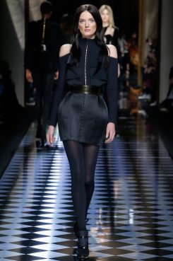 Lily Donaldson - Balmain Fall 2016 Ready-to-Wear
