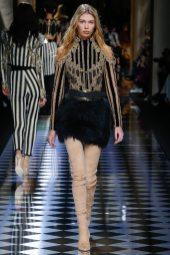Stella Maxwell - Balmain Fall 2016 Ready-to-Wear