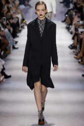 Adrienne Juliger - Christian Dior Fall 2016 Ready-to-Wear