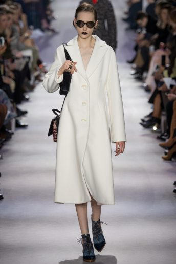 Lia Pavlova - Christian Dior Fall 2016 Ready-to-Wear