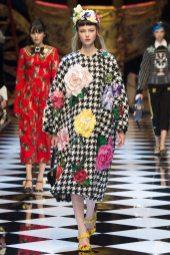 Katya Ledneva - Dolce & Gabbana Fall 2016 Ready-to-Wear