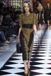 Camille Hurel - Dolce & Gabbana Fall 2016 Ready-to-Wear