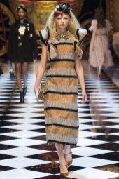 Frederikke Sofie - Dolce & Gabbana Fall 2016 Ready-to-Wear