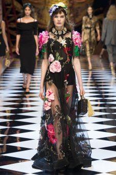 Sophie Rask - Dolce & Gabbana Fall 2016 Ready-to-Wear